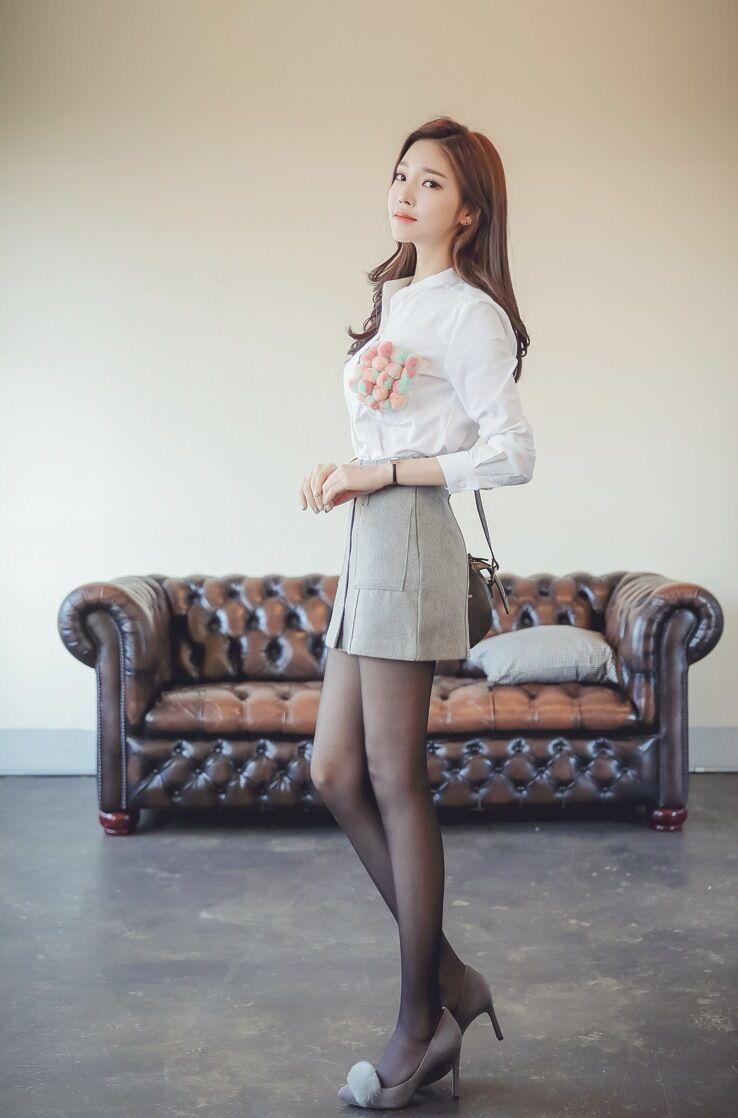 韩国长腿黑丝气质美女